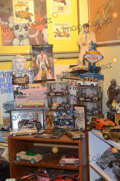 Photo - George Barris Garage Sale Preview Day