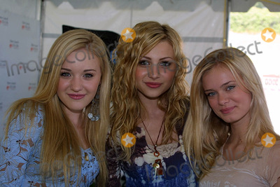 Amanda A J Michalka Photo - Amanda (AJ) Michalka Alyson (Aly) Michalka and Sara Paxtonat the Nuts For Mutts Dog Show Pierce College Woodland Hills CA 04-30-06