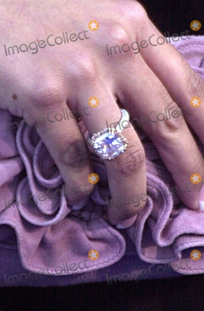 2019 year for girls- Bryant Vanessa 4 million dollar ring pictures