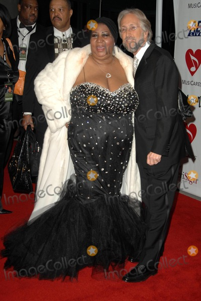 Aretha Franklin Photo - Aretha Franklin and Neil Portnow at the 2008 MusiCares Person Of The Year Awards Honoring Aretha Franklin Los Angeles Convention Center Los Angeles CA 02-08-08