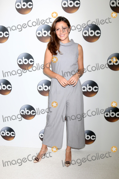 Photo - LOS ANGELES - JAN 15  Italia Ricci at the 2018 NAACP Image Awards at Convention Center on January 15 2018 in Pasadena CA
