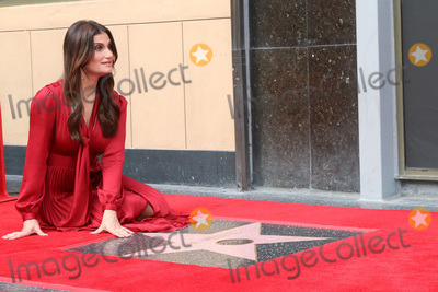 Photo - Idina Menzel and Kristen Bell Star Ceremony