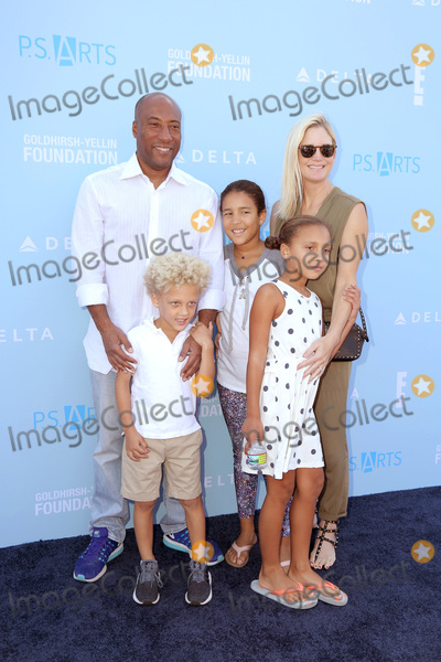 Ava Allen Photo - LOS ANGELES - OCT 7  Byron Allen Jennifer Lucas Olivia Rose Allen Chloe Ava Allen Lucas Byron Allen at the PS Arts Express Yourself 2018 at the Barker Hanger on October 7 2018 in Santa Monica CA