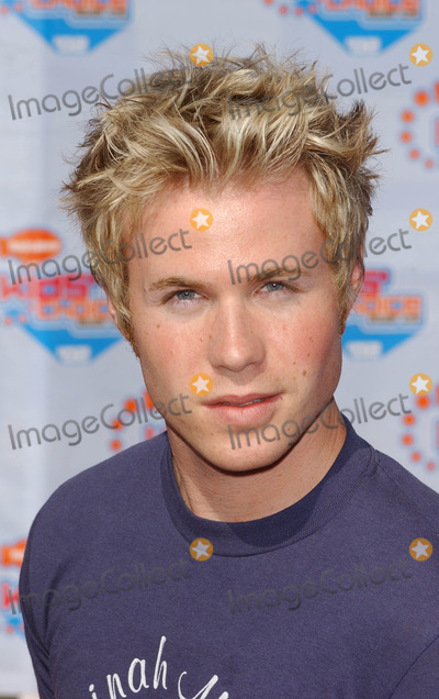 Ashley Angel Photo - Photo by Peter KramerSTAR MAX Inc - copyright 200242002Ashley Angel from O Town at the Nickelodeons Kids Choice Awards(CA)