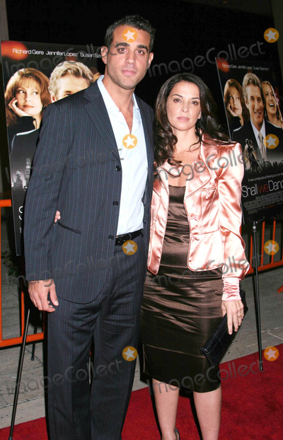 ANABELLA SCIORRA Photo - Photo by Mitch Gerberstarmaxinccom200410504Anabella Sciorra and Bobby Cannavale at the premiere of Shall We Dance(NYC)