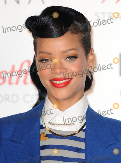Photo - Photo by DPAADstarmaxinccom2012STAR MAXALL RIGHTS RESERVEDTelephoneFax (212) 995-1196111912Rihanna on the switches on the Christmas Lights at Westfield Shopping Centre(London England)US syndication only