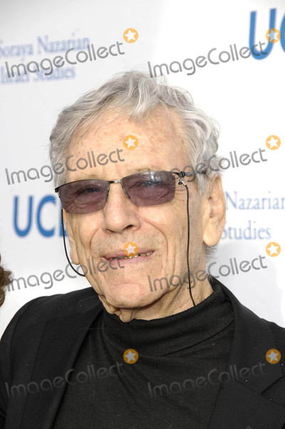Amos Oz Photo - Photo by Michael GermanastarmaxinccomSTAR MAX2015ALL RIGHTS RESERVEDTelephoneFax (212) 995-11965515Amos Oz at The UCLA Younes  Soraya Nazarian Center For Israel Studies Fifth Annual Gala(NYC)