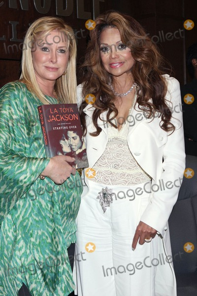 Photos From Signing for latoya's new book, 'starting over' (Barnes & Noble, Los Angeles, CA)