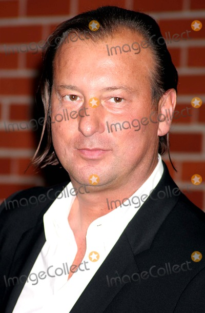 Helmut Lang Photo - Helmut Lang Arriving at the International Center of Photographys Twenty-first Annual Infinity Awards at Skylight in New York City on 05-10-2005 Photo by Henry McgeeGlobe Photos Inc 2005