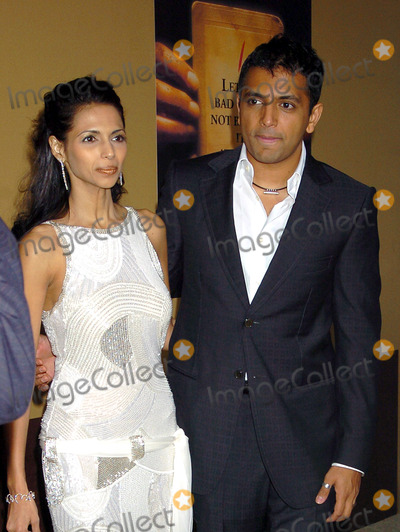 Photos and Pictures - M  Night Shyamalan and wife Bhavna at
