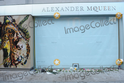 Alexander McQueen Photo - The Alexander McQueen store in Manhattans trendy Meatpacking District was closed and became a temporary shrine following the news that British fashion designer Alexander McQueen had been found dead in his London Flat today