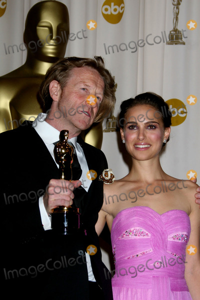 Anthony Dod Mantle Photo - Director of Photography Anthony Dod Mantle and actress Natalie Portman poses at the 81st Annual Academy Awards press room held at the Kodak Theater on February 22 2009 in Hollywood CA