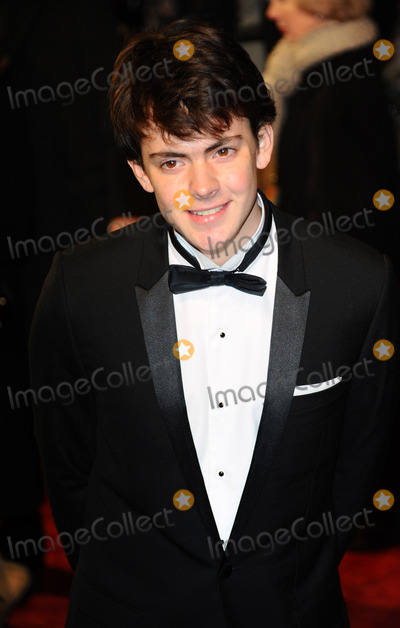 Skandar Keynes Photo - Actor Skandar Keynes arriving at The Chronicles Of Narnia The Voyage Of The Dawn Treader Royal Film Performance 2010 at Odeon Leicester Square on November 30 2010 in London England