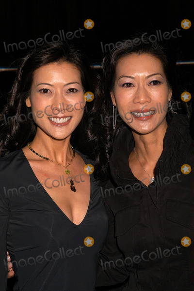 Arlene Tai Photo - Ada Tai and Arlene Tai at the New York City Premiere of Somethings got to give December 03 2003
