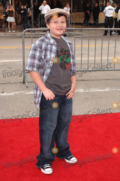Angus T Jones Photo - Actor ANGUS T JONES at the Los Angeles premiere of ZathuraNovember 6 2005  Los Angeles CA 2005 Paul Smith  Featureflash