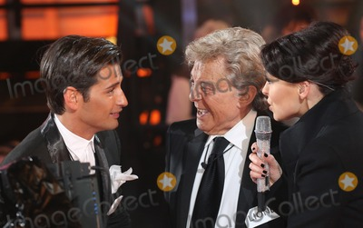 Lionel Blair Photo - Ollie Locke Emma Willis Lionel Blair at Celebrity Big Brother 2014 - Contestants Enter The House Borehamwood 03012014 Picture by Henry Harris  Featureflash