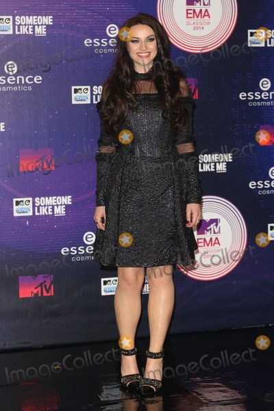 Amy MacDonald Photo - Amy MacDonald arriving at the MTV European Music Awards (EMAs)  2014 held at the The Hydro Glasgow Scotland 09112014 Picture by James Smith  Featureflash