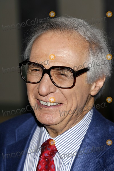 Amazing Kreskin Photo - The Amazing Kreskin arrives to the press room before The Friars Club roasting of Jerry Lewis on June 9 2006 in New York City