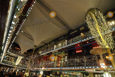 Photo - London UK Christmas Lights are up around the main London shopping streets ready for the holiday season London  16 November 2018 RefLMK73-S1931-171118 Keith MayhewLandmark Media WWWLMKMEDIACOM