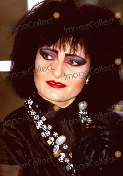 Photo - London UK LIBRARY   Siouxsie Sioux  in April 1986 promoting the Siouxsie and the Banshees album Tinderbox ReCap29092020 RefLMK11-SLIB290920-001PIP-Landmark MediaWWWLMKMEDIACOM