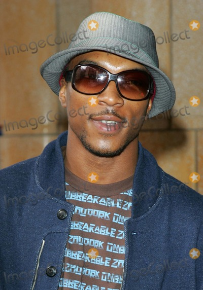 Asher D Photo - London UK UK rapper  and actor Ashley Walters (Asher D) at the VIP screening of the cartoon Horton Hears a Who  Vue West End London2nd March 2008 Keith MayhewLandmark Media