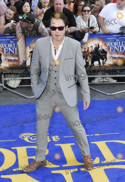 Gaz Coombes Photo - London UK  Gaz Coombes  at  theWorld Premiere of  The Worlds End  at the Empire Leicester Square London  10th July 2013LMK386-44629-110713    Gary MitchellLandmark Media  WWWLMKMEDIACOM