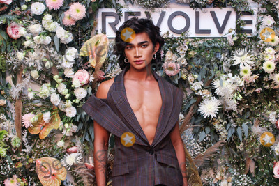 Photo - REVOLVE Gallery NYFW 2021 Presentation And Pop-up Shop At Hudson Yards