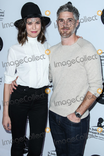 Photo - (FILE) Dave and Odette Annable Split After 9 Years of Marriage LOS ANGELES CALIFORNIA USA - JANUARY 23 Actress Odette Annable and husbandactor Dave Annable arrive at the Los Angeles Art Show 2019 Opening Night Gala held at the Los Angeles Convention Center on January 23 2019 in Los Angeles California United States (Photo by Xavier CollinImage Press Agency)