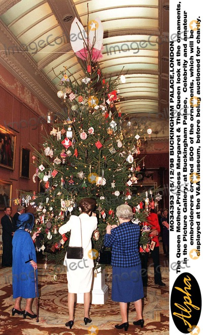 queen christmas tree princess royal photo 151298 buckingham palace - Queen Christmas Decorations