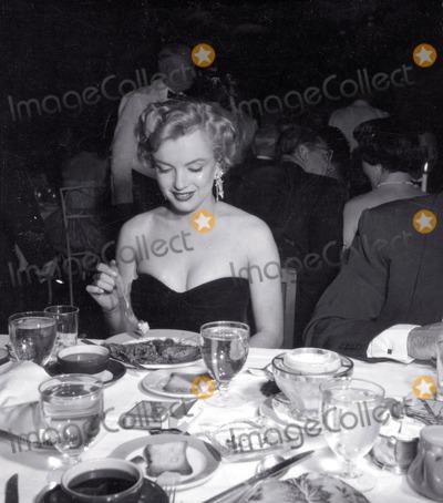 Photo - Marilyn Monroe Photo Nate CutlerGlobe Photos Inc