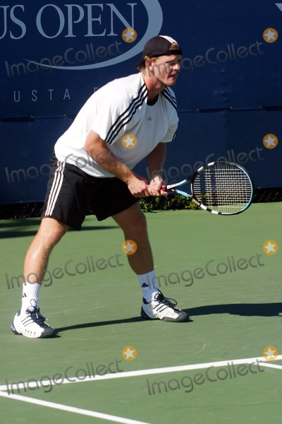 Alex Bogomolov Photo - Open Practice Day of the 2004 Us Open Held at the Usta Tennis Ceneter  Flushing Queens New York 08292004 Photo John Zissel  Ipol Globe Photos Inc 2004 Alex Bogomolov Jr