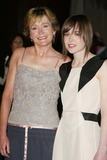 Ellen Page Photo - Ellen Page and her motherat the Los Angeles Premiere of Hard Candy DGA West Hollywood CA 04-10-06