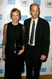Anthony Edwards Photo - Annette Bening and Anthony Edwardsat Cure Autism Nows CANDO Gala Regent Beverly Wilshire Hotel Beverly Hills CA 11-06-05