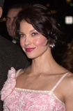 Ashley Judd Photo - Ashley Judd at the premiere of the 20th Century Fox movie High Crimes in Westwood 04-03-02