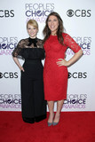 Melissa Rauch Photo - Melissa Rauch Mayim Bialikat the 42nd Annual Peoples Choice Awards Press Room Microsoft Theater Los Angeles CA 01-18-17
