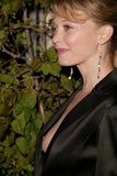 Amanda Detmer Photo 1