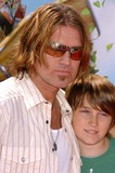 Billy Ray Cyrus Photo - Billy Ray Cyrus and sonat the Los Angeles Premiere of Over The Hedge Mann Village Theatre Westwood CA 04-30-06
