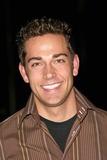 Zach Levi Photo 1