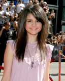 Selena Gomez Photo - Selena GomezUS Premiere of Harry Potter and the Order of the PhoenixGraumans Chinese TheaterLos Angeles CAJuly 8 2007