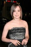 Ellen Page Photo - Ellen PageJuno Los Angeles PremiereManns Village TheaterWestwood  CADecember 3 2007