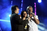 Circo Photo - ROMA  2th july 2005  Live 8 Concert in Circo Massimo  LAURA PAUSINI with  RENATO ZERO and CLAUDIO BAGLIONI  ELISABETTA VILLA
