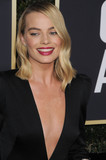 Margot Robbie Photo - Photo by GalaxystarmaxinccomSTAR MAXCopyright 2018ALL RIGHTS RESERVEDTelephoneFax (212) 995-11961718Margot Robbie at the 75th Annual Golden Globe Awards(Beverly Hills CA)s