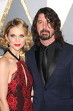 Dave Grohl Photo - Photo by GLXstarmaxinccomSTAR MAXCopyright 2016ALL RIGHTS RESERVEDTelephoneFax (212) 995-119622816Dave Grohl and Jordyn Blum at the 88th Annual Academy Awards (Oscars)(Hollywood CA USA)