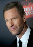Aaron Eckhart Photo - Photo by Dennis Van TinestarmaxinccomSTAR MAX2016ALL RIGHTS RESERVEDTelephoneFax (212) 995-1196111416Aaron Eckhart at the premiere of Bleed for This(NYC)