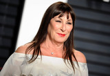 Anjelica Huston Photo - Photo by Dennis Van TinestarmaxinccomSTAR MAX2017ALL RIGHTS RESERVEDTelephoneFax (212) 995-119622617Anjelica Huston at The 2017 Vanity Fair Oscar Party in Beverly Hills CA