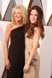 Jill Biden Photo - Photo by REWestcomstarmaxinccomSTAR MAXCopyright 2016ALL RIGHTS RESERVEDTelephoneFax (212) 995-119622816Jill Biden at the 88th Annual Academy Awards (Oscars)(Hollywood CA USA)