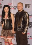 Amy Lee Photo - Photo by Walter WeissmanSTAR MAX Inc - copyright 200382803Amy Lee and Ben Moody of Evanescence at The 2003 MTV Video Music Awards(NYC)