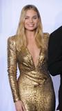 Margot Robbie Photo - Photo by GLXstarmaxinccomSTAR MAXCopyright 2016ALL RIGHTS RESERVEDTelephoneFax (212) 995-119622816Margot Robbie at the 88th Annual Academy Awards (Oscars)(Hollywood CA USA)