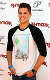 Charlie Carver Photo - Actor Charlie Carver attends Melanie Segals Celebrity Retreat Presented by TJMaxx in celebration of the Teen Choice Awards Los Angeles CA 080410