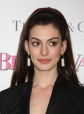 Anne Hathaway Photo 1